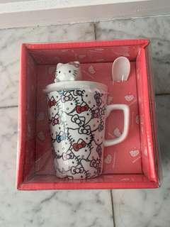 Brand new Hello Kitty Mug with lid and spoon