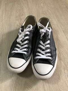 🚚 Used Converse Shoe Size: UK11
