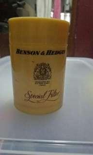 Bekas Rokok Benson & Hedges