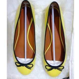 GUARANTEED AUTHENTIC CELINE FLATS WOMEN