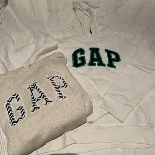 GAP jumpers size medium