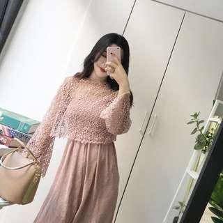 🚚 藕粉色平口連身闊腿連身褲➕蕾絲罩衫