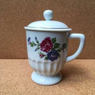 Classic Porcelain Mug with Covered Top