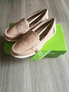 8fe36bd86fe Crocs Women s Walu II Canvas Loafers