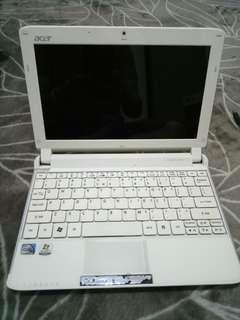 Acer Notebook For Teenagers (Still Functioning)