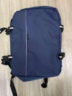 🚚 Blue Hyundai backpack