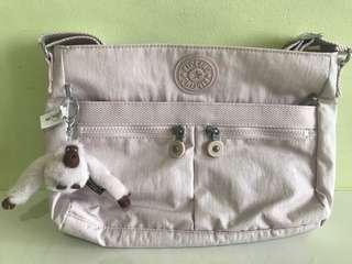 🚚 Kipling Sling Bag BNWOT