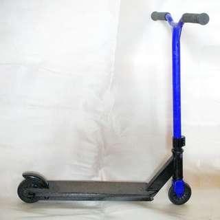 ~~~ USED UnBReaKaBLe  OXeLo  Aluminium/Steel Kid's Kick ScooTer $38 ~~~