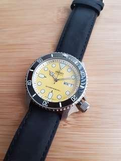 Modded Seiko SKX007 (Yellow)