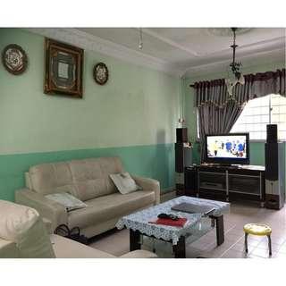 Must Sell! 258 Bukit Batok East Ave 4 For Sale. Corner unit.