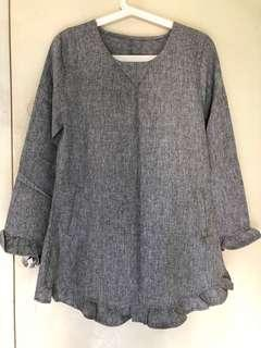 🚚 Grey Blouse with Ruffles Sleeves