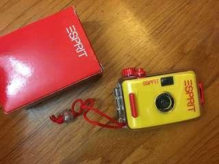 Esprit 防水菲林相機
