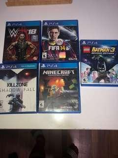 PS4 Console and 5 games included (bundle)