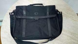Sling bag ace