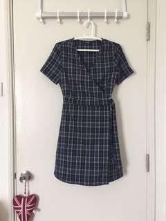 Checkered/Plaid V-Neck Wrap Dress