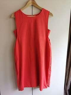 🚚 Red nursing dress