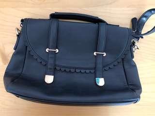 Black satchel hand/side bag