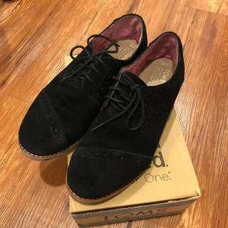 🚚 牛津鞋 雕花 麂皮