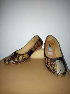 Sepatu motif handmade / sepatu motif original / handmade shoes