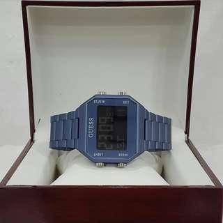Jam tangan GUESS Digital