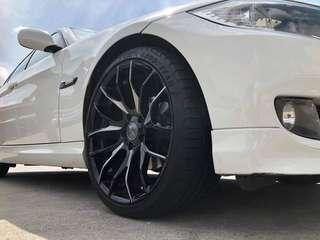 Gojek Grab Ryde BMW 318i sunroof white car rental