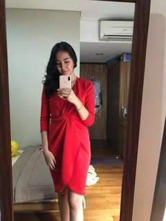 Dress merah twisted