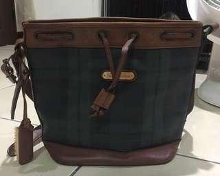 🚚 Polo經典格紋水桶包