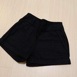 🚚 黑色短褲(適合冬天著用)