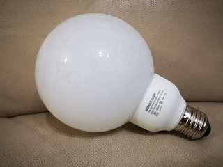 慳電膽 Phillips E27 縲頭18W 冷白光
