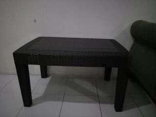 Meja sofa plastik