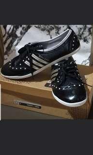 Adidas Sneaker feat. Selena Gomez
