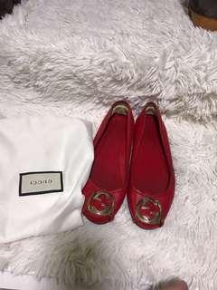 🚚 preowned gucci flat shoes