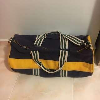 🚚 Tommy Hilfiger duffle bag large