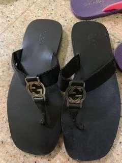 Authentic Gucci slippers/thongs/sandals
