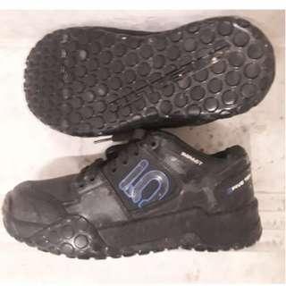 Five Ten Impact Low MTB Shoes Size EU40/UK 6.5 $80/-
