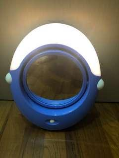 🚚 Cosmetic Lighted Mirror