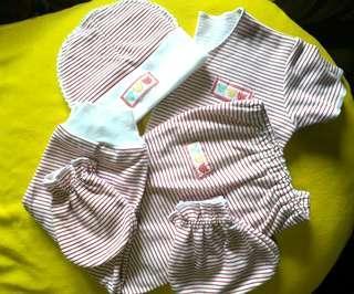 set bayi merah