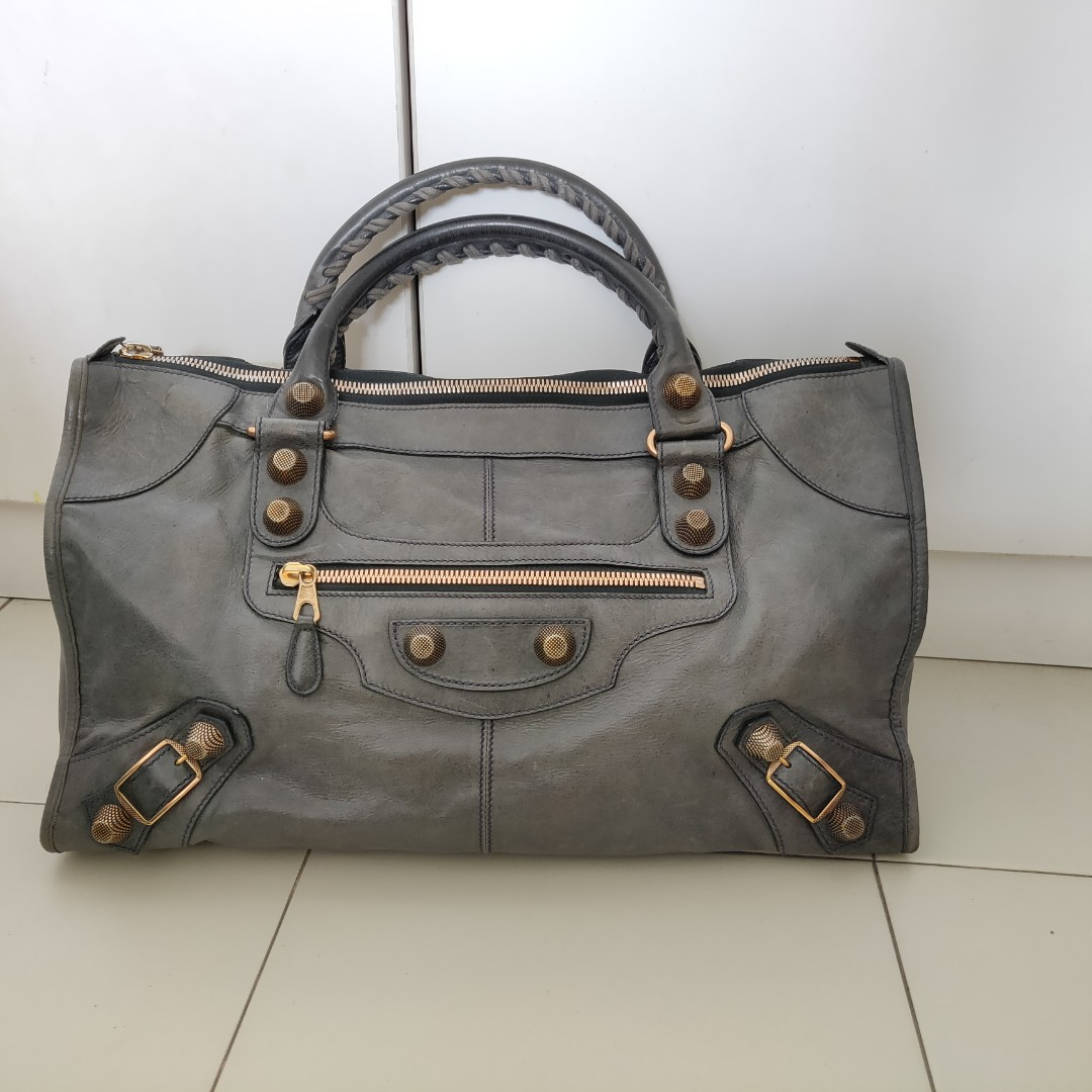 a3e7f8e351f Authentic Balenciaga work bag, Women's Fashion, Bags & Wallets ...