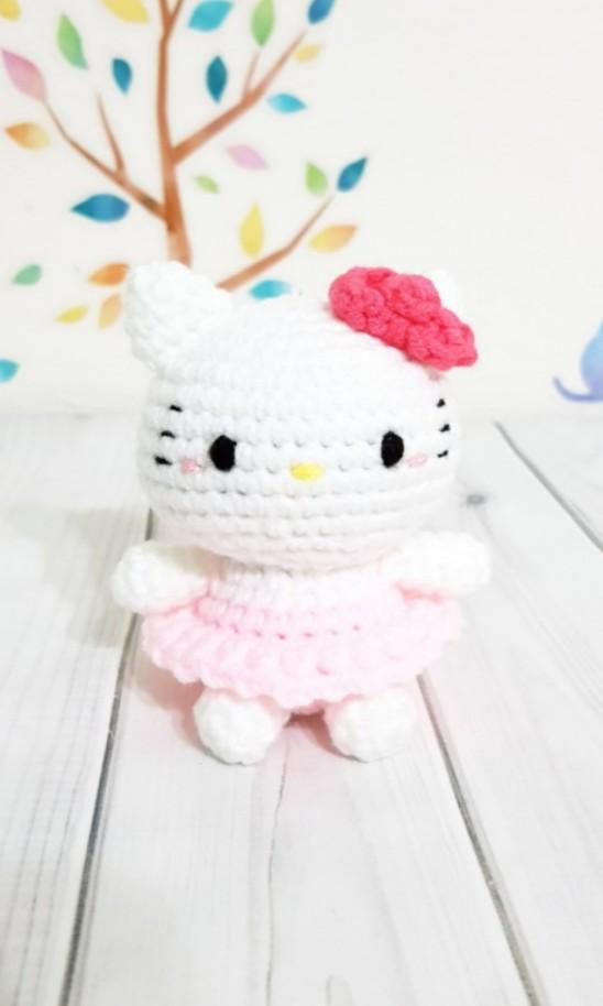 Amigurumi Crocheted Ballerina Cat [FREE Crochet Pattern] | 914x548