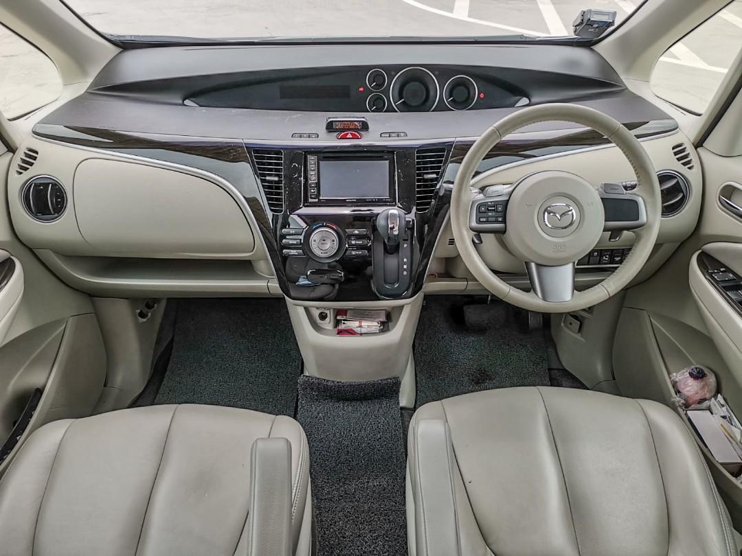 Mazda Biante 2.0 MPV Auto