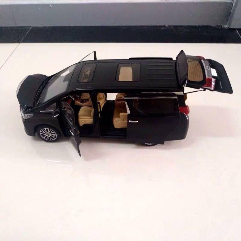 Toyota alphard 1/18 右軚