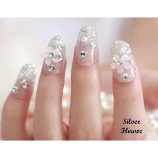 [NEW!] Fake Nails Silver Flowers