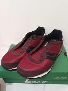 Sneaker league