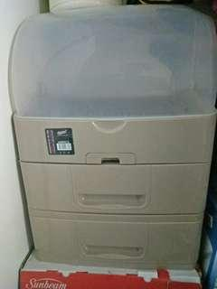 Dish drainer (tempat kering pinggan bertutup)