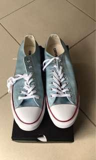 BNIB size 11 converse shoes