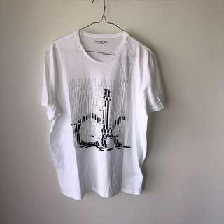 BNWT Calvin Klein T shirt