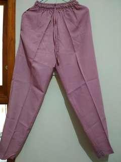 Celana anti begah, nyaman dan lembut