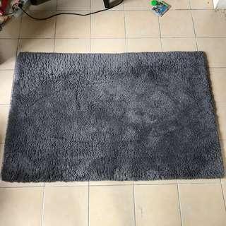 Karpet bulu persegi