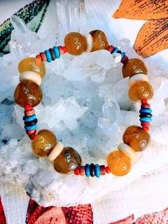 半寶晶石手鏈·皇惜藏民小居。 Semi-precious stones crystal bracelet·Little Yellow Tibetian Kingdom Cherish Yellow House.