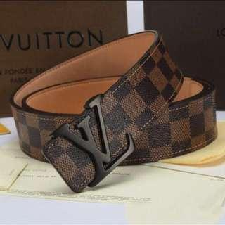 LOUIS VUITTON Man Leather Belt